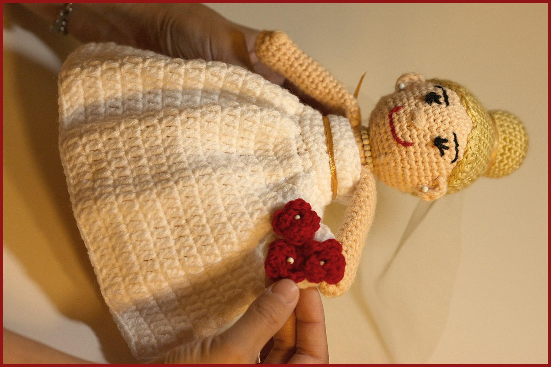 Amigurumi Boy Doll Pattern : Crochet tutorial: dolls bride and groom « yarnutopia by nadia fuad